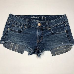 American Eagle Exposed Pockets Short Shorts Size 6